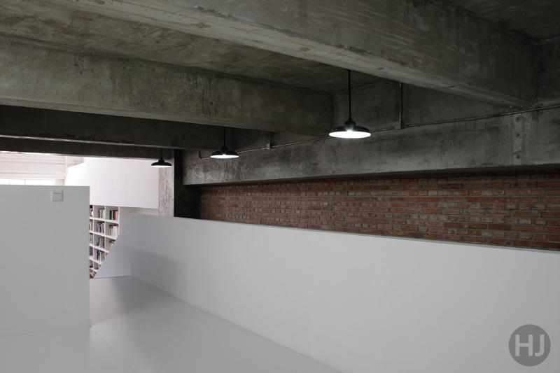 Mezzanine look to work area by huali2