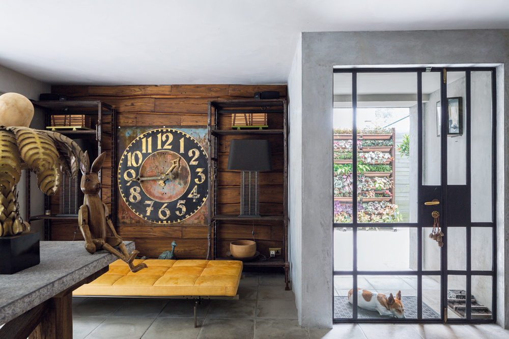 Celebrity hair stylist Kim Robinson's Hong Kong home is outfitted with curiosities picked up at flea markets around the world (Photo: Mitchell Geng)