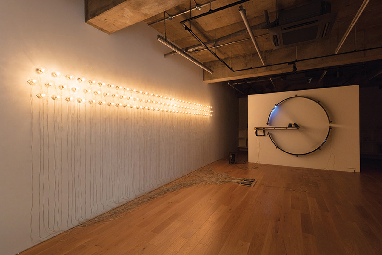 Satoru Tamura, Point of Contact for 100 incandescent lamps#2, 2014
