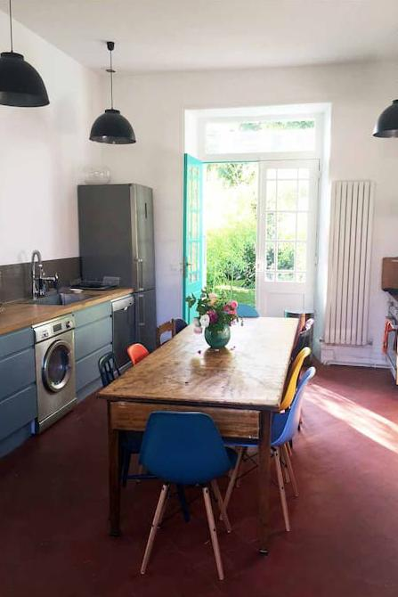 The kitchen-dining area. (Photo: Courtesy of AirBnb)