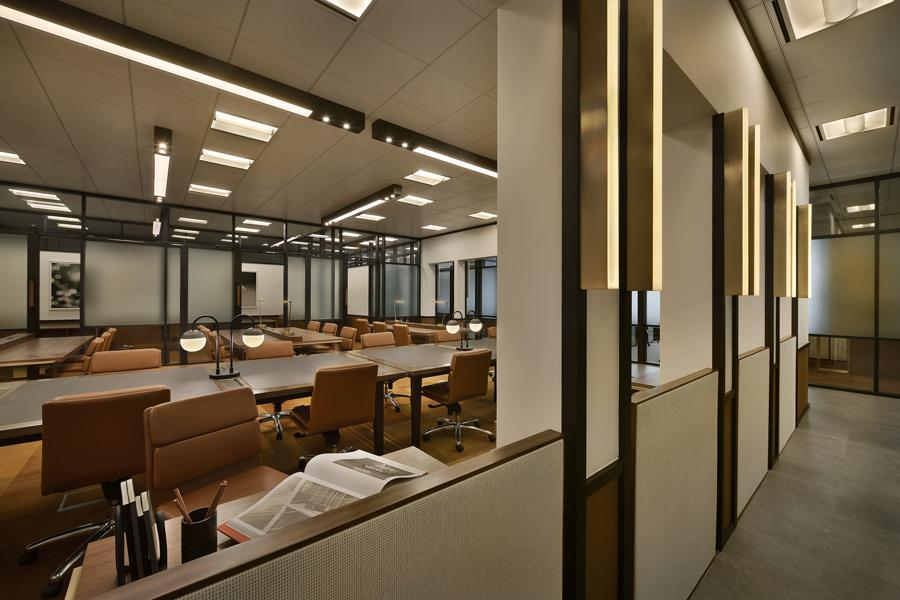 The workhall, with hot desks and hot offices is created for mobile workers