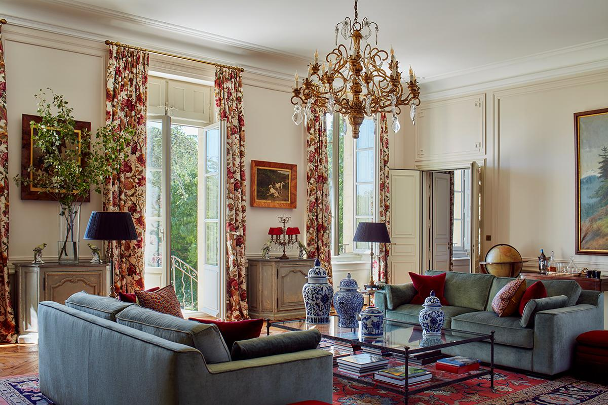 The living room in Chateau d