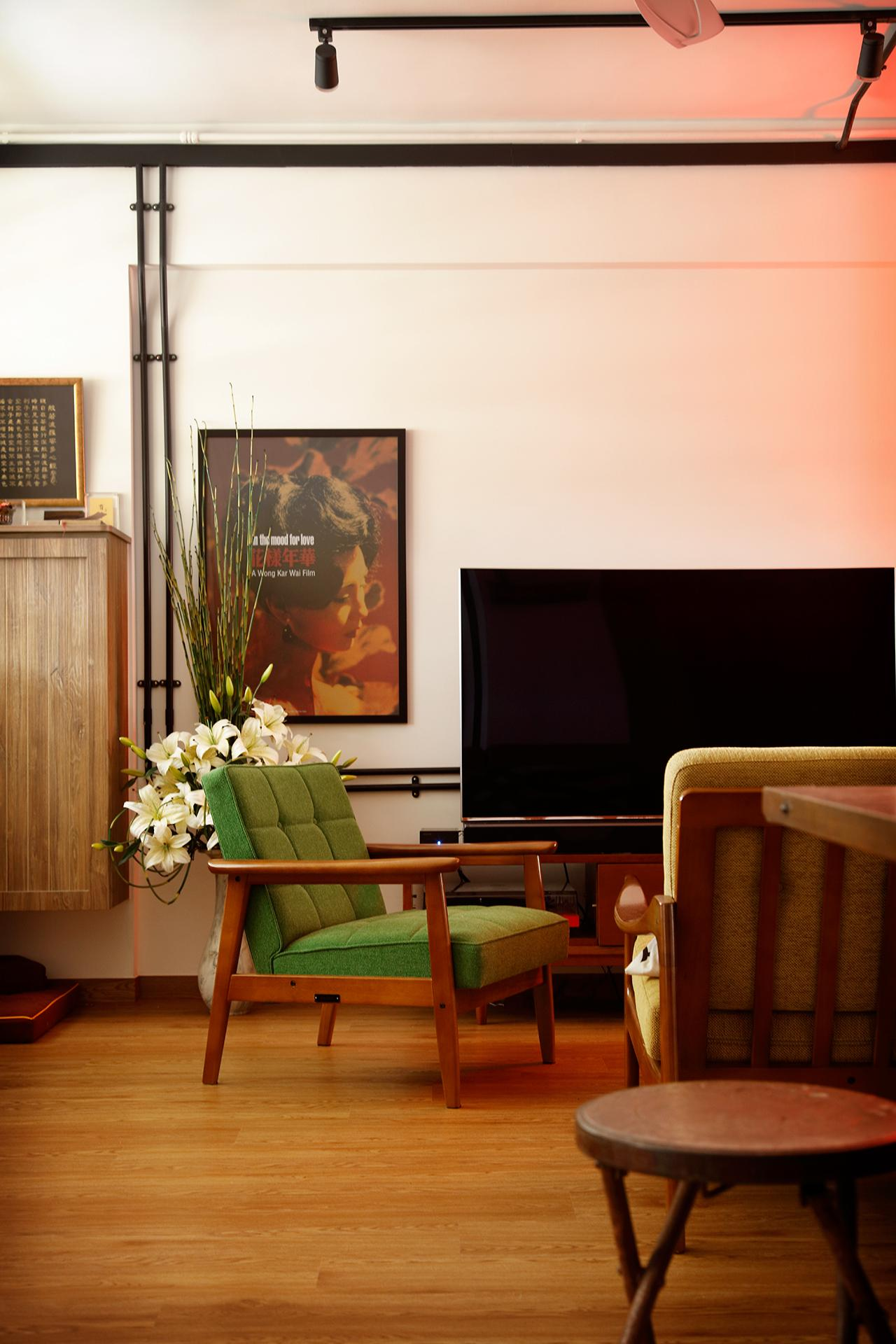 A Trip Down Memory Lane Inside a Vintage Flat in Singapore