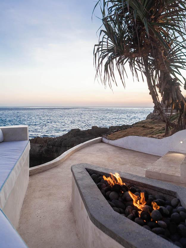 Enjoy a Five-Star Residential Experience in this Bali Cliffside Villa