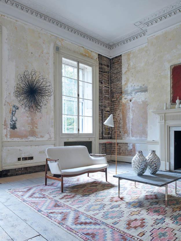 A 20th Century Design Pop-up Makes its Home in a Palladian-Style Mansion